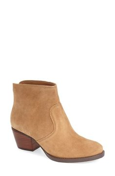 Free shipping and returns on Nine West 'Bolt' Bootie(Women) at Nordstrom.com. Textured leather and a stacked block heel further the rugged sensibility of an almond-toe bootiethat's a must-have for your fall wardrobe.