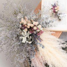 bouquet boutonniere set Rustic Flower Arrangements, Rustic Flowers, Hand Bouquet, Bouquets, Floral Wreath, Wreaths, Decor, Brides, Bunch Of Flowers