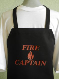 A great BBQ apron for a bargain price. Novelty aprons at affordable prices. These BBQ aprons for men come in black with red lettering. No pocket bib apron, Non-adjustable neck loop. Grill Apron, Bbq Apron, Chef Apron, Funny Aprons For Men, Cute Aprons, Chic For Men, Novelty Aprons, Childrens Aprons, Smoke Grill