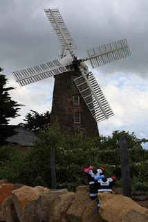 Tassies Sisters visiting Callington Mill , Oatlands, Tasmania Forest Mountain, We Fall In Love, Windmills, Tasmania, Travel Around, Us Travel, Beautiful Landscapes, Lonely, Photographs
