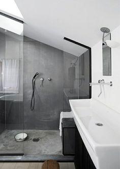 votre salle de bain en gris et blanc, sous combles