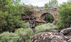 Garden Bridge, Outdoor Structures, Alba, Sierra, Bridges, Medieval, Traveling, Outdoors, Bungee Jumping