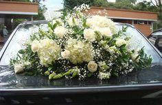 004 Bridal Car, Wedding Cars, Flower Arrangements, Table Decorations, Ideas, Home Decor, Floral Decorations, Bouquets, Floral Arrangements