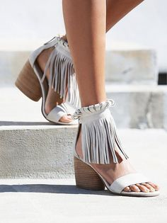 Cheap sandals retro, Buy Quality high heel women sandals directly from China women sandals Suppliers: 2016 newest high quality genuine leather shoes thick high heels women sandals retro sexy casual dress shoes Cute Shoes, Me Too Shoes, Style Boho, Boho Chic, Do It Yourself Fashion, Fringe Sandals, Fringe Boots, Suede Sandals, Strap Sandals
