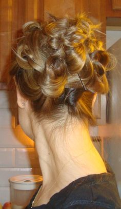 Love Love Love this-- This hairstyle can be casual or elegant-- Wouldn't it be pretty with hairclips ;-)