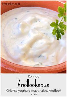 Romige knoflooksaus – De K van Koken - ook zonder pakjes en zakjes maak je deze fantastische knoflooksaus in een handomdraai. Gebruik wel goede knoflook om maagpijn te voorkomen.