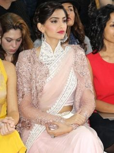 Sonam Kapoor Pink Beauty Bollywood Replica Saree To Buy Online http://trendzila.com/home/344-sonam-kapoor-pink-beauty-bollywood-replica-saree.html?search_query=177&results=1