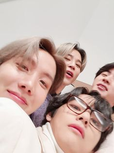 taehyung, hoseok, seokjin and jimin Bts Taehyung, Bts Jimin, Bts Bangtan Boy, Kim Taehyung Funny, Bts Lockscreen, Foto Bts, Kpop, Sunshine Line, V And Jin