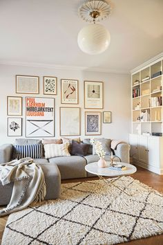 〚 Интерьер дома в пастельных тонах для семьи с тремя детьми в Дании 〛 ◾ Фото ◾ Идеи◾ Дизайн Beautiful Living Rooms, Beautiful Homes, Pastel Interior, Timber Structure, Modular Sofa, Farrow Ball, Nook, Building A House, Printer