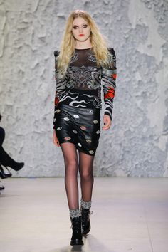Nicole Miller Fall 2017 Ready-to-Wear Collection Photos - Vogue