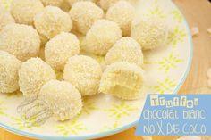 Truffes de Noël au chocolat blanc et noix de coco #truffes #chocolat #blanc