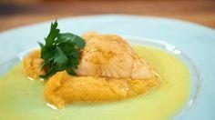 Curry-Zander mit Steckrüben-Möhren-Gemüse