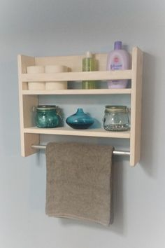 Bathroom Shelf with Towel Bar / Rustic Shelf by TheSteelAesthetic Home Room Design, Diy Home Decor, Home Diy, Shelves, Restroom Decor, Diy Furniture, Pallet Furniture, Home Decor Accessories, My Furniture