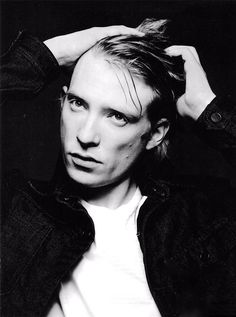 Domhnall Gleeson. Damn. You could cut yourself on those cheekbones.