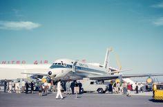 Mcdonald Douglas, Douglas Dc 8, Plane Photos, Douglas Aircraft, Old Planes, New Aircraft, Aviation Industry, Vintage Airplanes, Civil Aviation