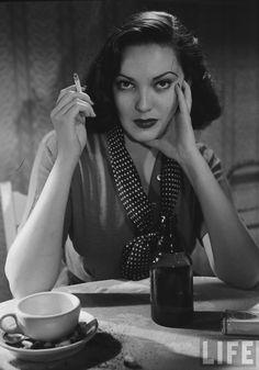 Lana Turner Smoking | Train Bellies: Audrey Totter, Joan Bennett, Barbara Stanwyck, etc: a ...