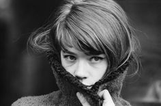 Picture of Françoise Hardy Françoise Hardy, Rock And Roll Girl, Musica Pop, Photo Star, People Dancing, Madame, French Fashion, Style Icons, 60s Icons