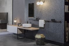 Showroom Neugestaltung 2018 | Mayr & Glatzl Innenarchitektur GmbH #innenarchitektur #badezimmer #bad #design #details Double Vanity, Bathroom Lighting, Mirror, Furniture, Home Decor, Ground Floor, Decorating Ideas, Interior Designing, Bathing