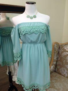 Off shoulder dress in mint...