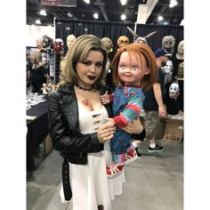 """Chucky with real life Tiffany ❤️🔪 """"your kinda cute , your just like a little baby""""-Tiff Chucky Horror Movie, Horror Movie Characters, Horror Movies, Halloween Outfits, Halloween Costumes For Kids, Tiffany Chucky Bride, Young Gwen Stefani, Halloween Looks, Halloween Week"""
