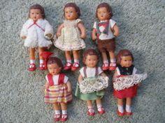 VINTAGE SET OF 6 ARI GERMAN RUBBER DOLLS HOUSE DOLLS ALL ORIGINAL CLOTHES