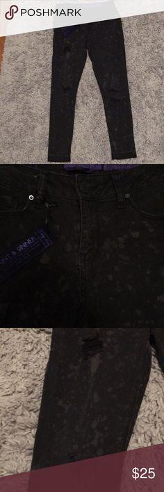 Indigo Rein distressed black paint spatter jeans NWT!! Edgy black distressed jeans with paint splatter accent and rough edges by Indigo Rein. Indigo Rein Jeans Skinny