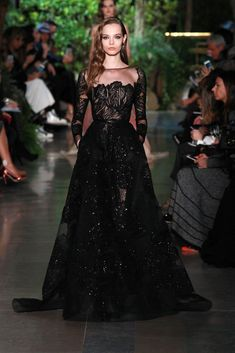 Alta Costura: Elie Saab and Valentino Source by dresses glamour Couture Fashion, Runway Fashion, 2000s Fashion, Boho Fashion, Fashion Jewelry, Evening Dresses, Prom Dresses, Formal Dresses, Elegant Dresses
