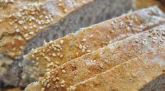 """Bag 3-4 store franskbrød, med smag og """"bid"""". Fiberrige franskbrød, der faktisk giver mæthedsfølelse. Nyd franskbrødene lune, med honning, ost eller sukkerdrys. Uhm!"""