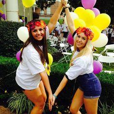 Kappa Alpha Theta at University of Mississippi #KappaAlphaTheta #Theta #BidDay #balloons #sorority #OleMiss