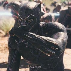 Marvel Fan Art, Marvel Memes, Marvel Avengers, Marvel Comics, Black Panther Images, Black Panther Marvel, Black Panther Costume, Man Thing Marvel, Comic Movies