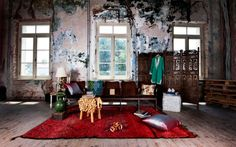 Eclectic Living Room Design with Red Carpet - nijihomedesign.