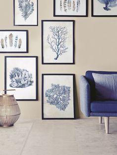 Bilder geben Räumen eine persönliche und wohnliche Note. Aber wie ordnet man sie an? Und welche passen zusammen? Und wo gibt es günstige Drucke oder Fotos?
