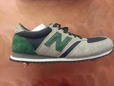 New Balance 420 in Amsterdam ,Dam station. Very special color !