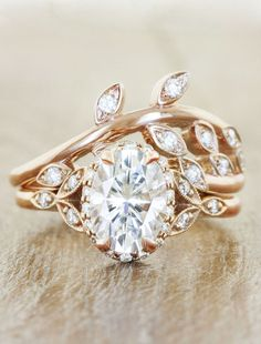 Unique engagement rings by Ken & Dana Design in Rose Gold #aromabotanical