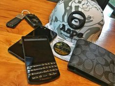 #inst10 #ReGram @raff_christ: HAGWE fellas!! #blackberry #porschedesign #p9983 #blackberryp9983 #blackberryporschedesign #graphite #apple #iphone7 #appleiphone7 #jetblack #coach #aape #bape #neweracaps  #BlackBerryClubs #BlackBerryPhotos