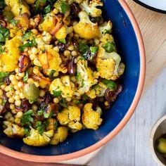 Pearl Couscous Recipes, Farro Recipes, Lunch Recipes, Real Food Recipes, Salad Recipes, Vegetarian Recipes, Dinner Recipes, Dinner Ideas, Spiced Cauliflower