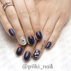 Мы готовы воплотить в жизнь любые Ваши задумки Маникюр и художественная роспись в исполнении мастера Анастасии Д (Ⓜ️ Звездная) #пилки #pilki_nail #pilkinail #shellac #nails #instanails #manicure #шеллак #красивыеногти #кот #питер #звездная