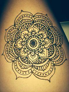 Henna - Mandala flower on thigh