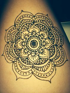Henna - Mandala flower on thigh