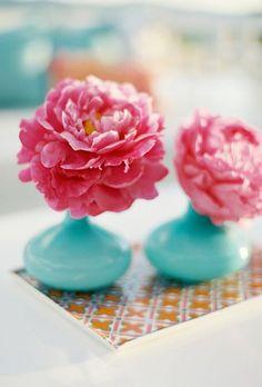 Simple Floral Wedding Centerpieces | Brides