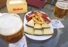 Eat Madrid through its taverns, tapas bars, and cafes. Know what to eat in Madrid and where to eat in Madrid in this essential food guide (w/ map! Madrid Tapas, Madrid Food, A Food, Good Food, Food And Drink, Yummy Food, City Information, Visit Madrid, Tapas Bar