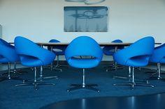 shark chair from artifort commercial meeting rooms pinterest