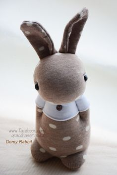Study this properly, gift your child a best thing according to your child's demand and pass a very good time with your lovely kid. Fabric Animals, Sock Animals, Sock Crafts, Fabric Crafts, Baby Toys, Kids Toys, Easter Crafts, Crafts For Kids, Sock Bunny