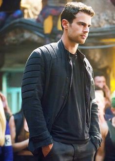 Exclusive: 15 Sexy Theo James Pictures That Will Make You Swear Allegiance to Him Exclusive: 15 Sexy Theo James Pictures That Will Make You Swear Allegiance to Him Theo James Pictures in Allegiant Tris Und Four, Tris Et Tobias, Divergent Theo James, Insurgent Movie, Divergent Movie, Divergent Fandom, Insurgent Quotes, Divergent Four, Divergent Tattoo