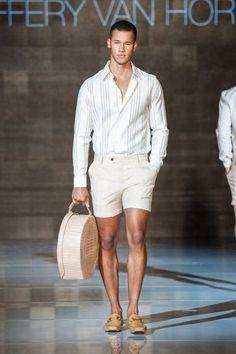 Prints y trajes de baño constan la colecció Spring-Summer 2017 de Caffery van Horne en la semana de la moda de Toronto