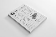 A free clean resume template that easy for customizable and ready to print. It is the super clean,resume cv template to help you land that great job. Free for personal or business purposes without … Free Resume Format, Free Printable Resume, Resume Template Examples, Resume Design Template, Creative Resume Templates, Cv Template, Templates Free, Resume Ideas, Design Resume