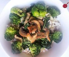 Obey the #CRAVE! When you eat clean there is no #shame in your #game, because your #body will crave the good stuff!   So go ahead! OBEY THE CRAVE!  POST WORKOUT LUNCH: Sautéed #chard #broccoli #parsley #shitakemushrooms over #brownrice #evo  #organic #healthy #mean #green #cleaneating #eatingintherealwithrenee