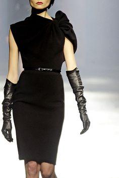 Lanvin fall winter 2009 | #LBD #petiterobenoire #black #nero |#hautecouture #couture #fashion