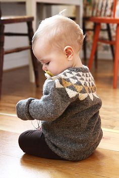Ravelry: mariacarlander's Lykke's garlands Kids Knitting Patterns, Knitting For Kids, Baby Patterns, Knitting Projects, Norwegian Knitting, How To Purl Knit, Baby Kids Clothes, Baby Sweaters, Unisex Baby