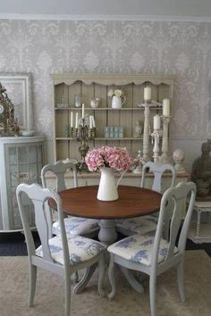52 Ideas for shabby chic table and chairs spaces Shabby Chic Round Dining Table, Shabby Chic Dining Room, Round Table And Chairs, Shabby Chic Kitchen Decor, Shabby Chic Table And Chairs, Dining Table Chairs, Shabby Chic Furniture, Dining Set, Shabby Chic Cafe